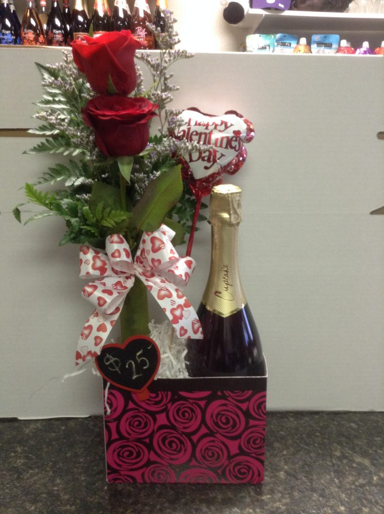 Pure Romance: 2 Rose vase with sparkling wine and specialty chocolates